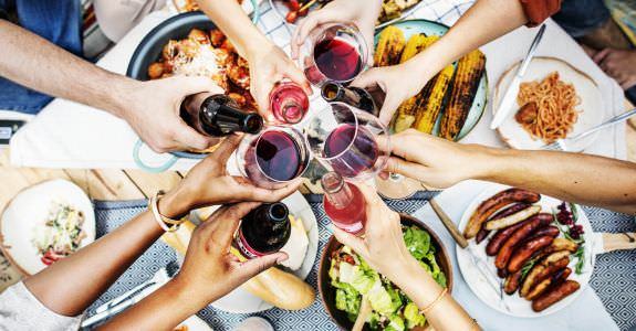 5 Tips to Glam Up Your Summer BBQ